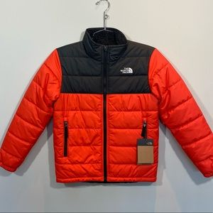 NEW North Face Boys Reversible Jacket Size M